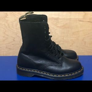 NEW Dr Martens 1490 Boots